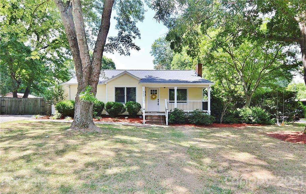 8625 Old Plank Road - Photo 1