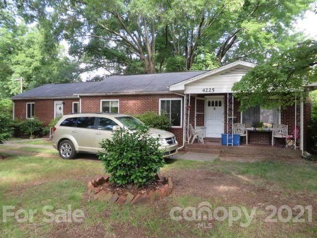 4225 N Sharon Amity Road, Charlotte, NC 28205 (#3758958) :: Cloninger Properties