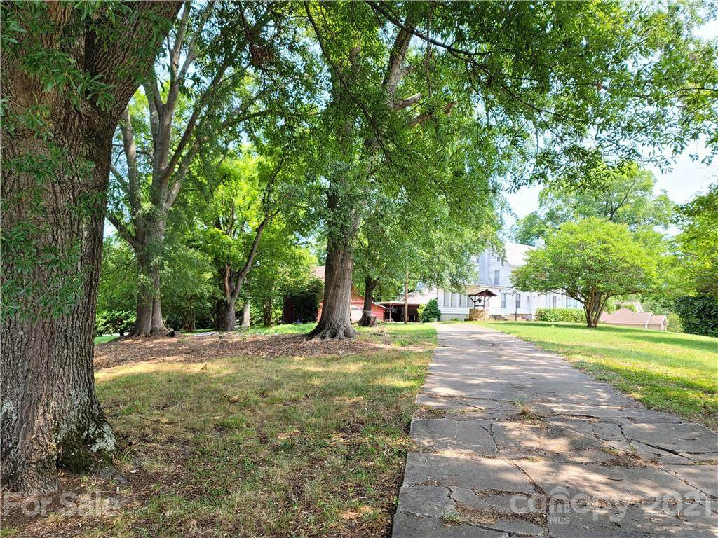 703 Smith Grove Road - Photo 1