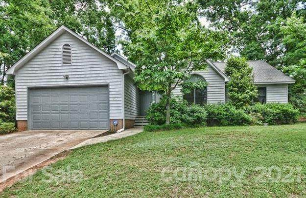 245 Forest Oak Drive, Lake Wylie, SC 29710 (#3761041) :: Lake Wylie Realty