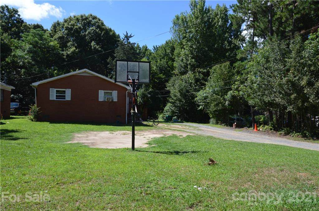 4415 Rolling Hill Drive - Photo 1