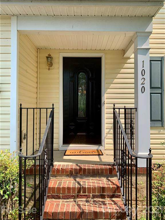 1020 Meadowbrook Lane, Concord, NC 28027 (#3765941) :: Keller Williams Realty Lake Norman Cornelius