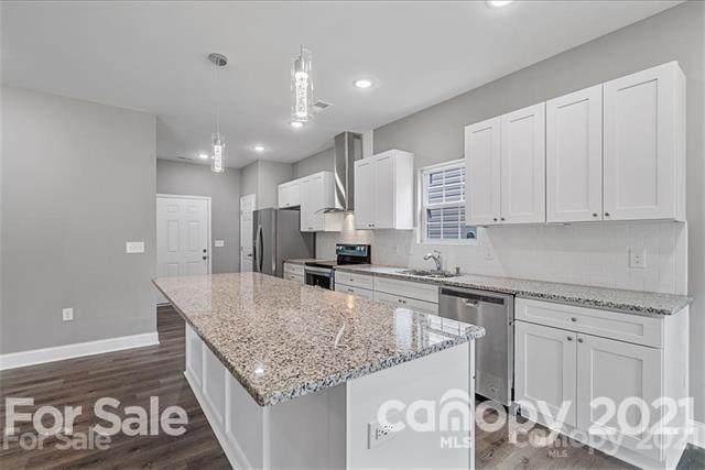 5035 Tuckaseegee Road, Charlotte, NC 28208 (#3769744) :: Carolina Real Estate Experts