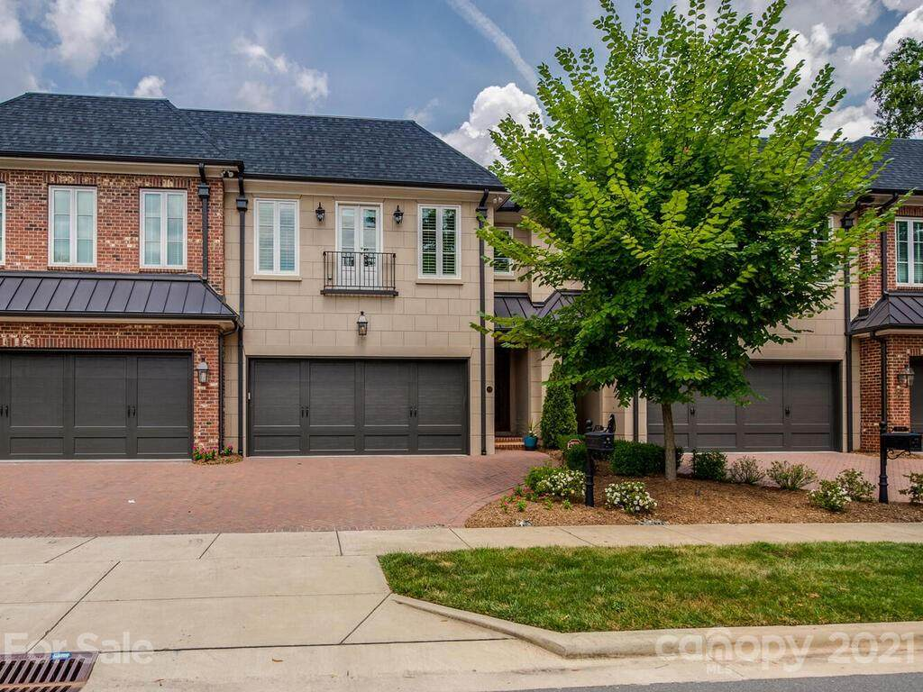 117 Huntley Place - Photo 1