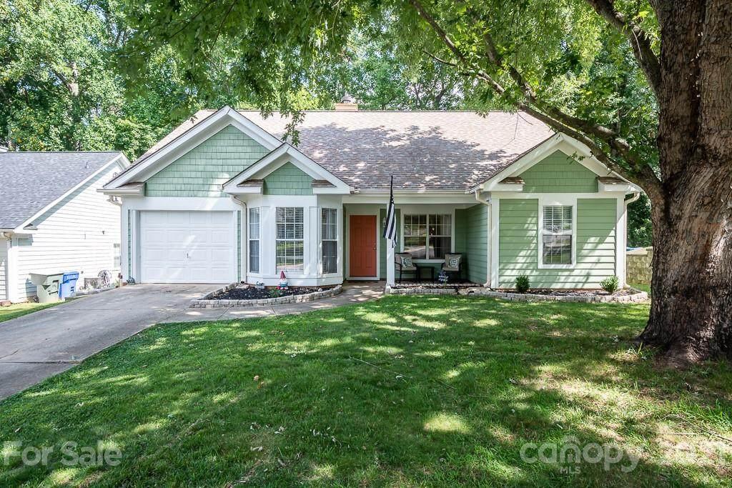 407 Cedarcroft Drive - Photo 1