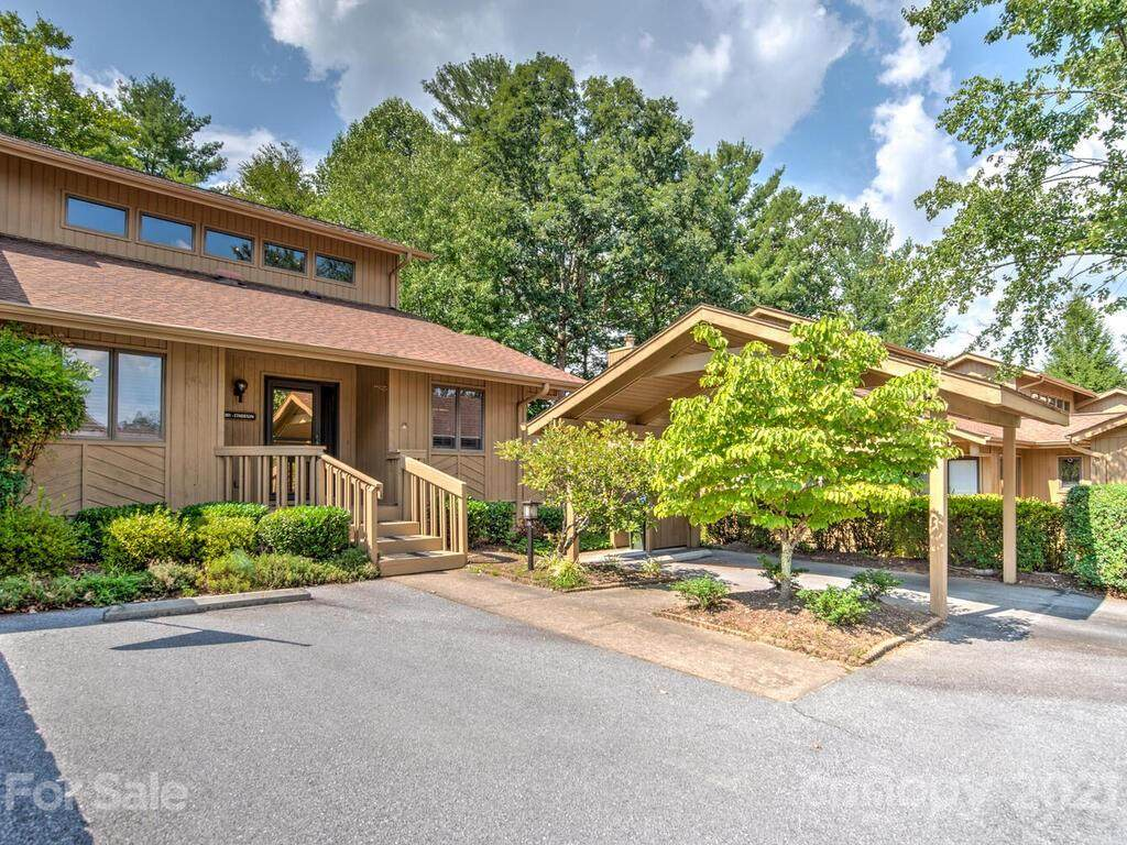 301 Red Oak Drive - Photo 1