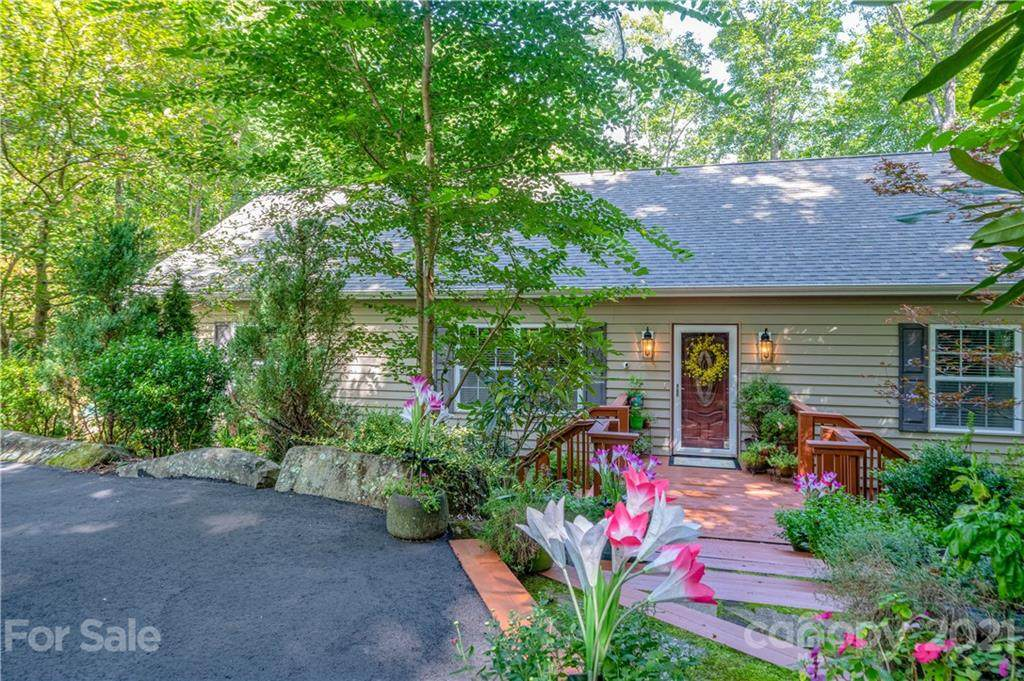 439 Toxaway Trail - Photo 1