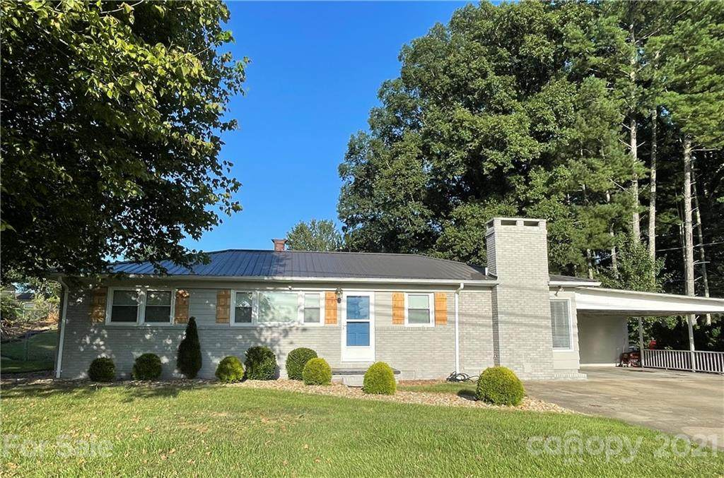 2703 Fairwood Drive - Photo 1