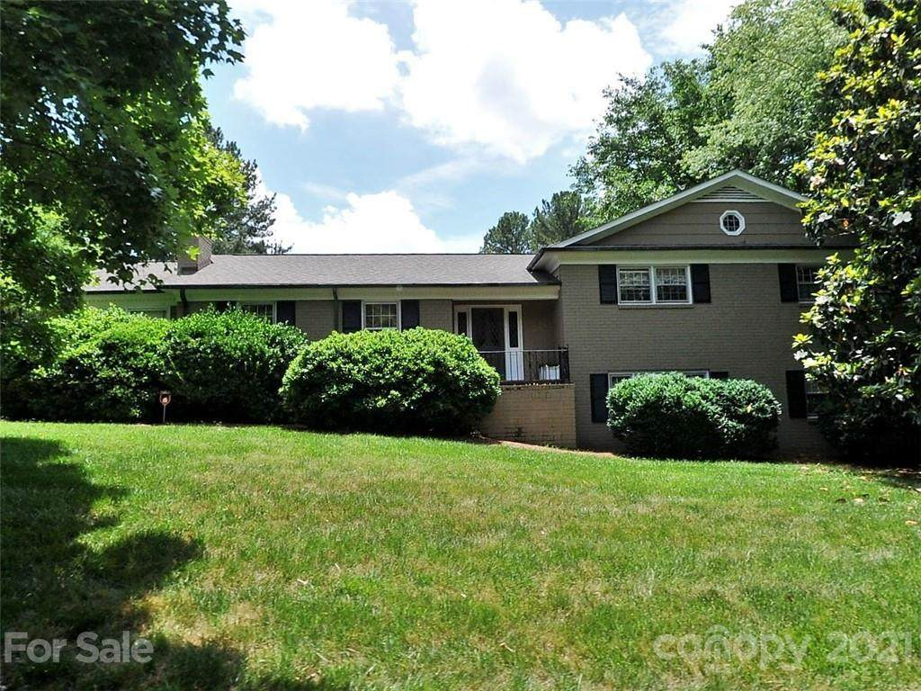 2911 Ferncliff Road - Photo 1