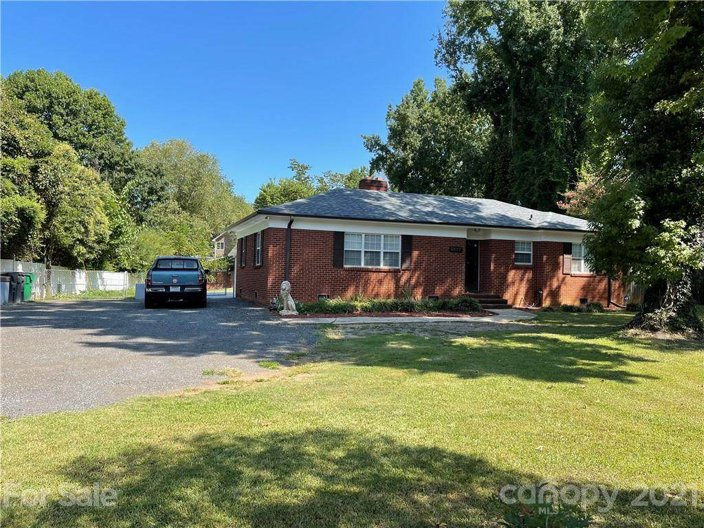 5627 Hickory Grove Road - Photo 1