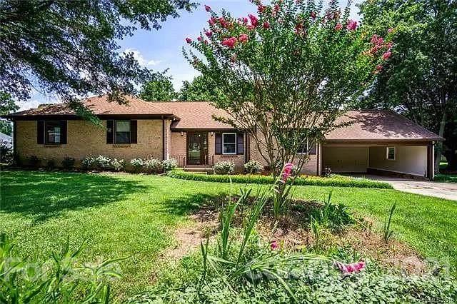 2429 Rosemond Circle, Gastonia, NC 28056 (#3784270) :: Carlyle Properties