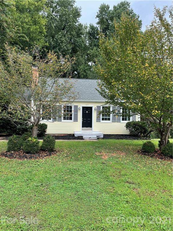4317 Ruskin Drive, Charlotte, NC 28209 (#3784810) :: Carolina Real Estate Experts