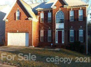 10121 Spring Park Drive, Charlotte, NC 28269 (#3784936) :: SearchCharlotte.com