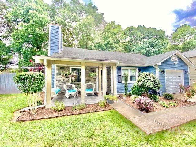 16611 Glenfurness Drive, Huntersville, NC 28078 (#3786090) :: Caulder Realty and Land Co.