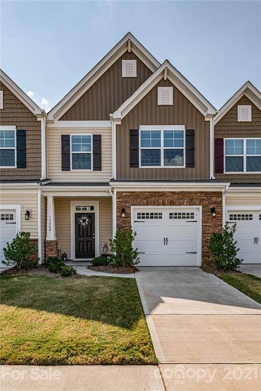 15004 Savannah Hall Drive, Charlotte, NC 28273 (#3786985) :: BluAxis Realty