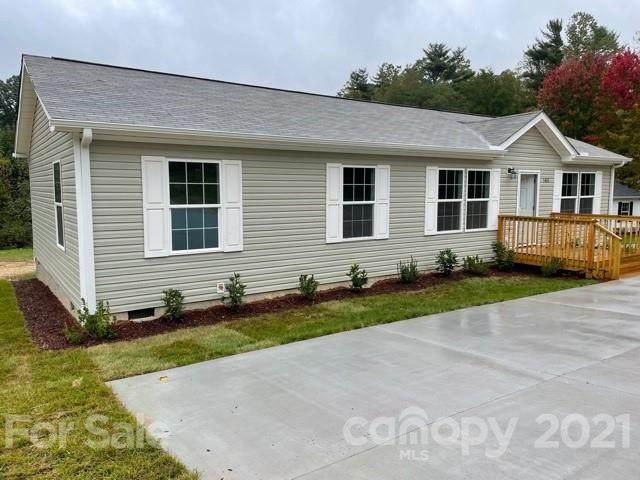 1483 Howard Gap Loop Road, Flat Rock, NC 28731 (#3788633) :: Love Real Estate NC/SC