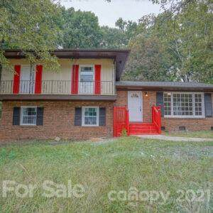 6501 Spring Garden Lane, Charlotte, NC 28213 (#3789605) :: Homes with Keeley | RE/MAX Executive