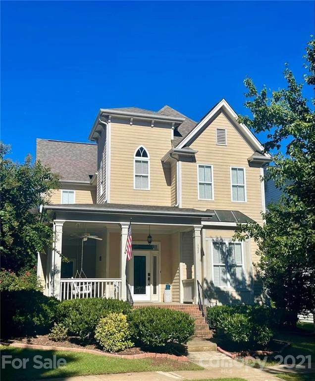 137 Water Oak Drive, Mooresville, NC 28117 (#3789773) :: The Mitchell Team
