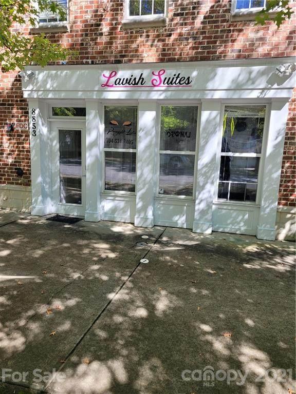 8853 Arbor Creek Drive, Charlotte, NC 28269 (#3789786) :: Love Real Estate NC/SC