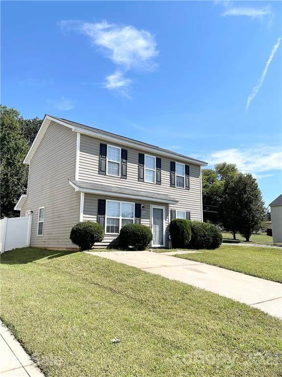 4904 Hopewood Lane, Charlotte, NC 28216 (#3789836) :: Homes with Keeley | RE/MAX Executive