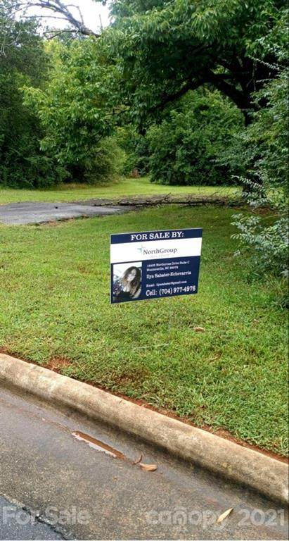 2938 Capitol Drive, Charlotte, NC 28208 (#3790457) :: Scarlett Property Group