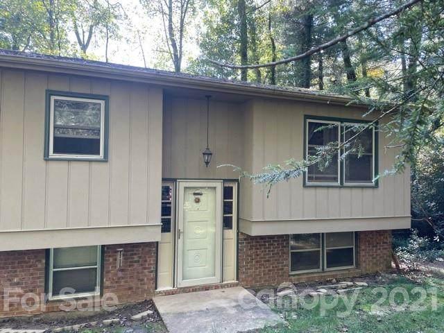 104 Sir Galahad Drive, Hendersonville, NC 28791 (#3790748) :: Besecker & Maynard Group