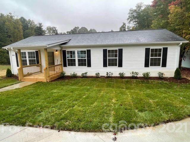 1515 Howard Gap Loop Road, Flat Rock, NC 28731 (#3792364) :: Love Real Estate NC/SC