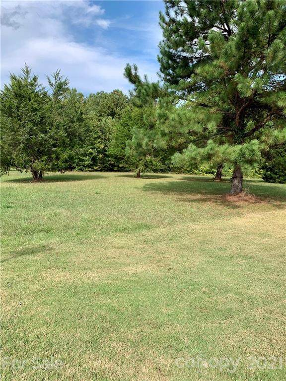 3002 Eaker Drive, Cherryville, NC 28021 (#3792456) :: Mossy Oak Properties Land and Luxury