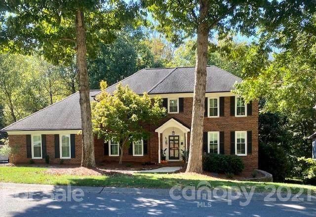 10409 Oak Pond Circle, Charlotte, NC 28277 (#3794874) :: Todd Lemoine Team
