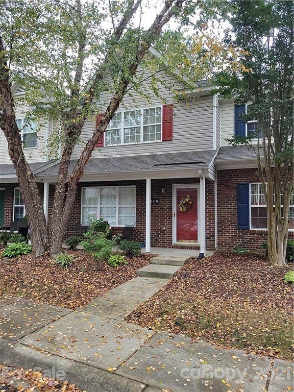 10110 Frosty Lane, Charlotte, NC 28216 (#3795914) :: Mossy Oak Properties Land and Luxury