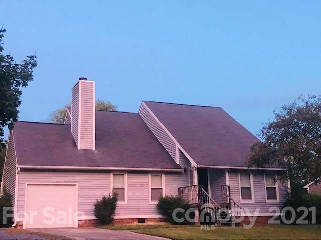 11401 Five Cedars Road, Charlotte, NC 28226 (#3796300) :: Love Real Estate NC/SC