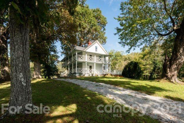 1502 High Street, Hendersonville, NC 28739 (#3796544) :: Bigach2Follow with Keller Williams Realty