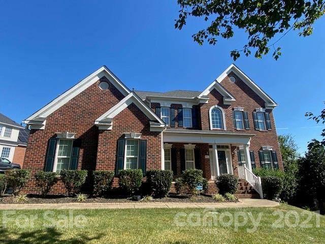 9902 Hillspring Drive, Huntersville, NC 98078 (#3797258) :: MartinGroup Properties