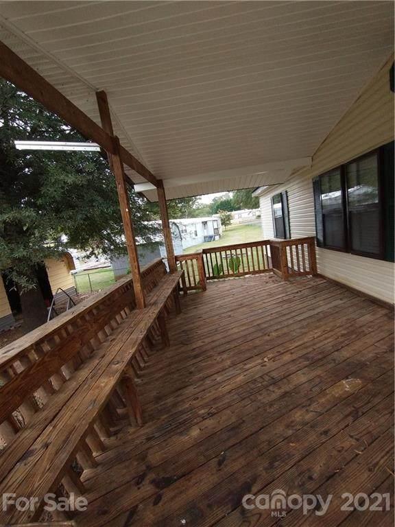 111 Pinewood Drive, Mount Holly, NC 28120 (#3798775) :: Johnson Property Group - Keller Williams