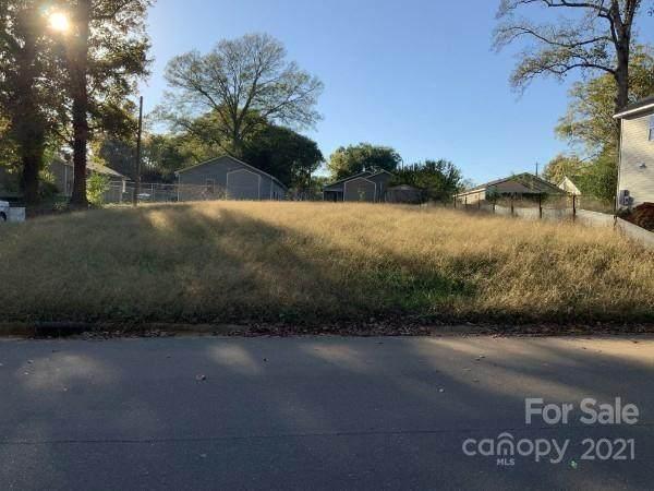 3032 Morning Drive, Charlotte, NC 28208 (#3799876) :: MartinGroup Properties