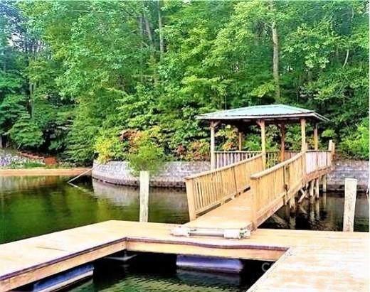 152 Pinnacle Lane, Mooresville, NC 28117 (#3800323) :: MartinGroup Properties