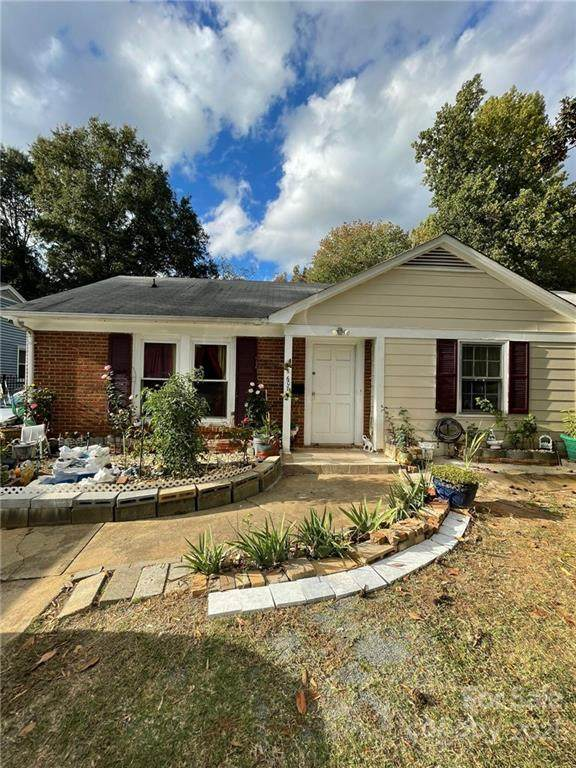 6607 Water Mill Court, Charlotte, NC 28215 (#3800440) :: MartinGroup Properties