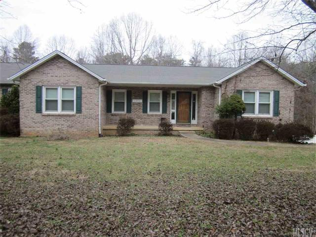 1376 Billings Drive, Hickory, NC 28602 (#9597647) :: LePage Johnson Realty Group, LLC