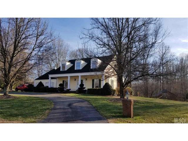1223 Creekside Drive, Conover, NC 28613 (#9597747) :: LePage Johnson Realty Group, LLC
