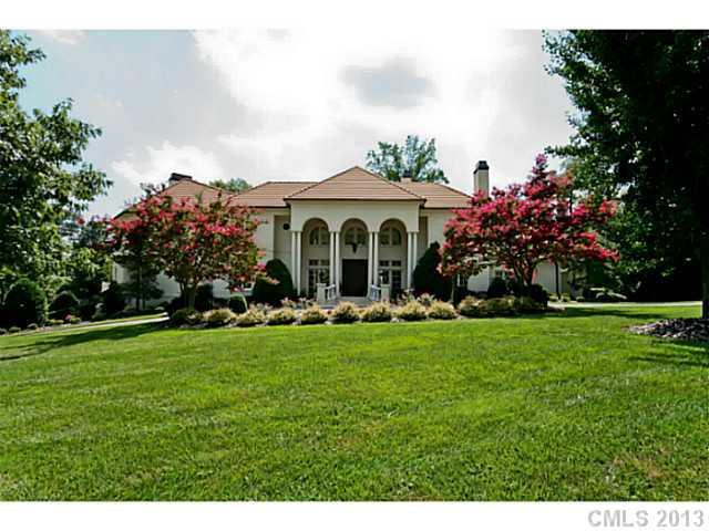 4432 Fox Brook Lane, Charlotte, NC 28211 (#2060964) :: High Performance Real Estate Advisors