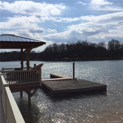 20520 Lagoona Drive, Cornelius, NC 28031 (#3169950) :: Odell Realty Group