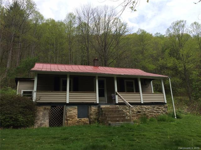 944 Hunter Creek Road, Marshall, NC 28753 (#3175920) :: LePage Johnson Realty Group, LLC