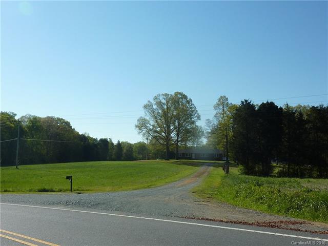 2816 Stevens Mill Road, Matthews, NC 28104 (#3228772) :: LePage Johnson Realty Group, LLC