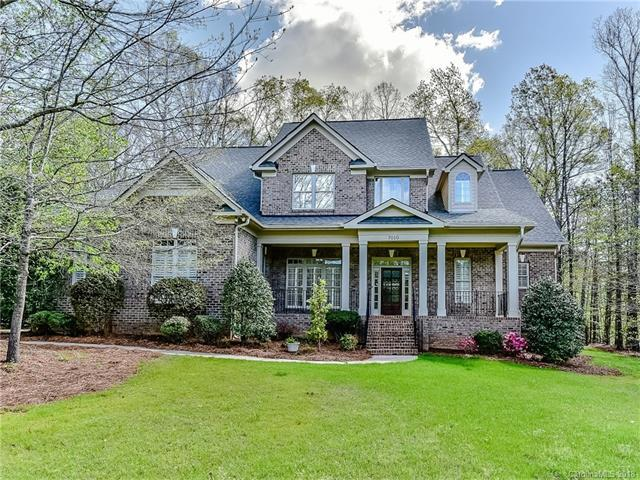 7010 High Oak Drive, Matthews, NC 28104 (#3266407) :: The Ramsey Group