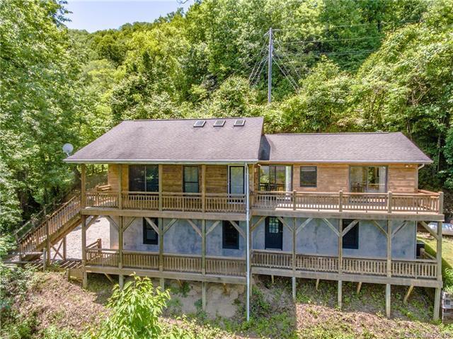 1426 Setzer Cove Road, Maggie Valley, NC 28751 (#3272898) :: Rinehart Realty