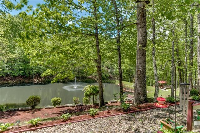 204 Woods End Drive, Hendersonville, NC 28739 (#3275363) :: High Performance Real Estate Advisors