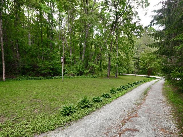 Lot #28 Viewcrest Drive #28, Hendersonville, NC 28739 (#3284603) :: Puffer Properties