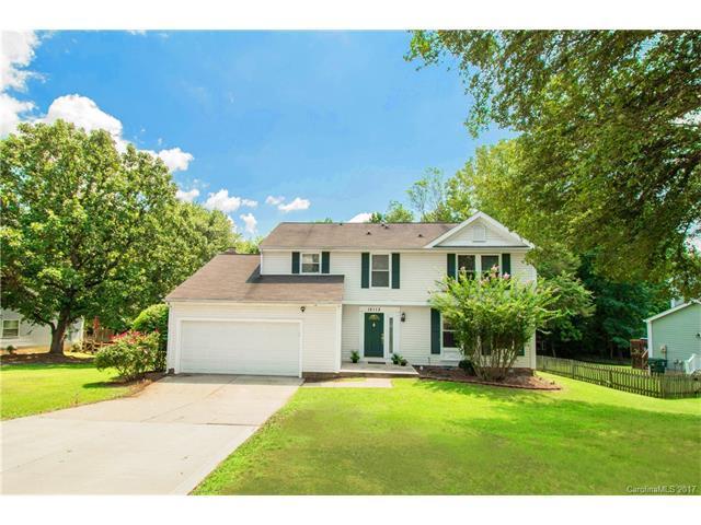 12113 Woodside Falls Road, Pineville, NC 28134 (#3302665) :: Puma & Associates Realty Inc.