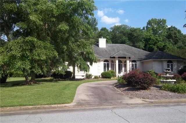 1040 De Lara Circle, Salisbury, NC 28146 (#3307093) :: The Andy Bovender Team