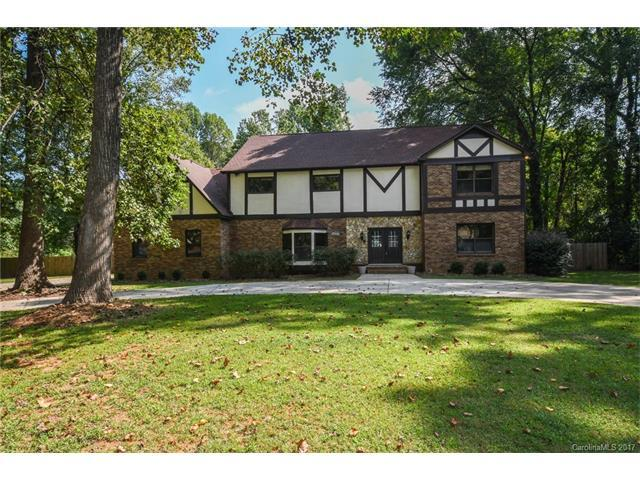 8428 Rego Street, Charlotte, NC 28216 (#3319434) :: Berry Group Realty